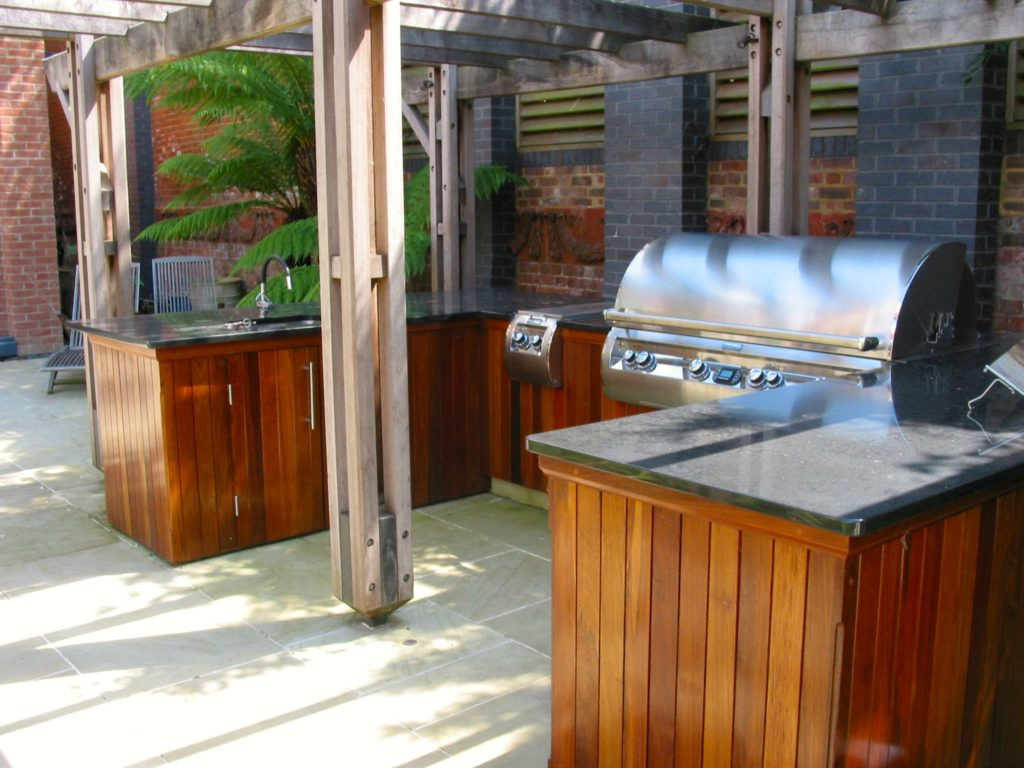wimbledon, outdoor kitchen,Home park road, outdoor living, timber cladding