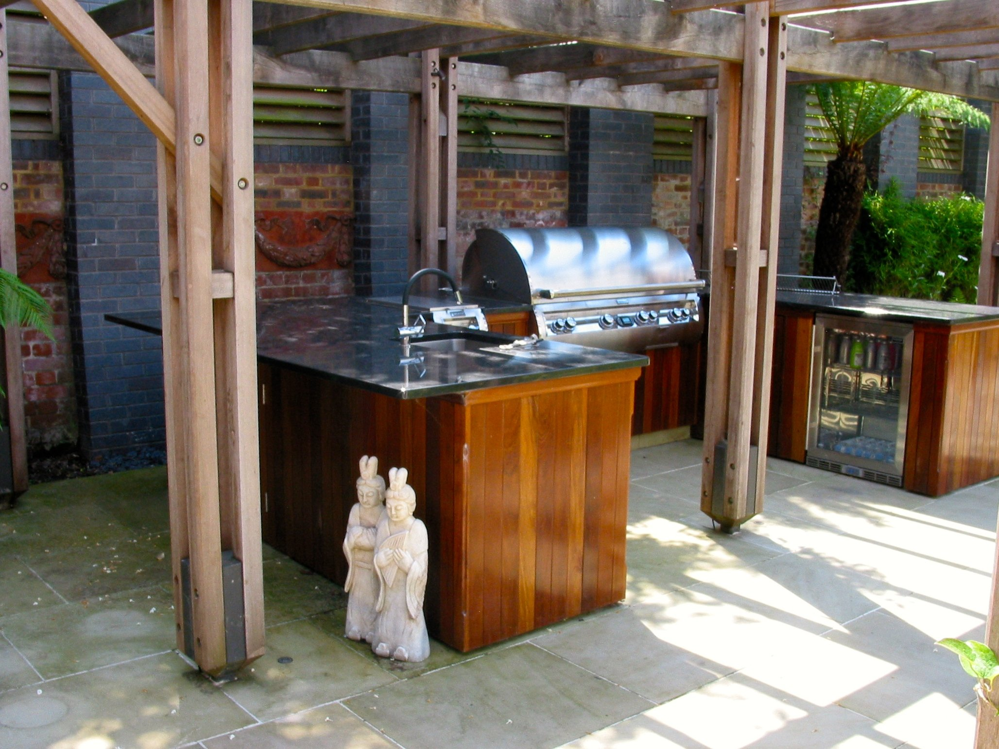 Outdoor kitchen Wimbledon, Outdoor kitchen, Firemagic BBQ, Blastcool fridge