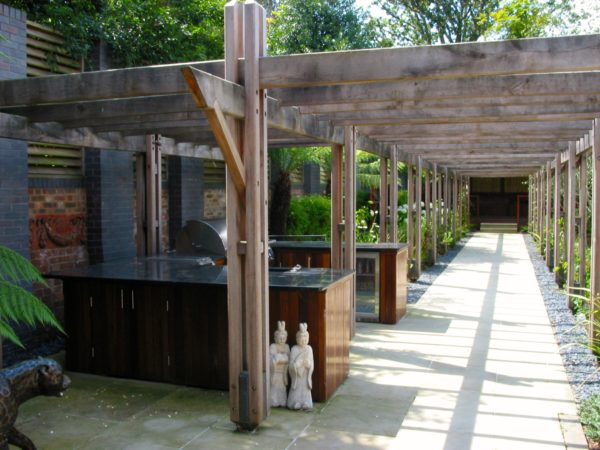 Outdoor kitchen Wimbledon-a benchmark project 1