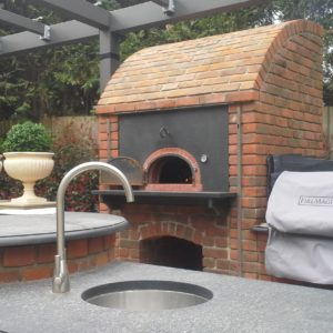 View of outdoor kitchen, outdoor kitchen Sunningdale, outdoor cooking