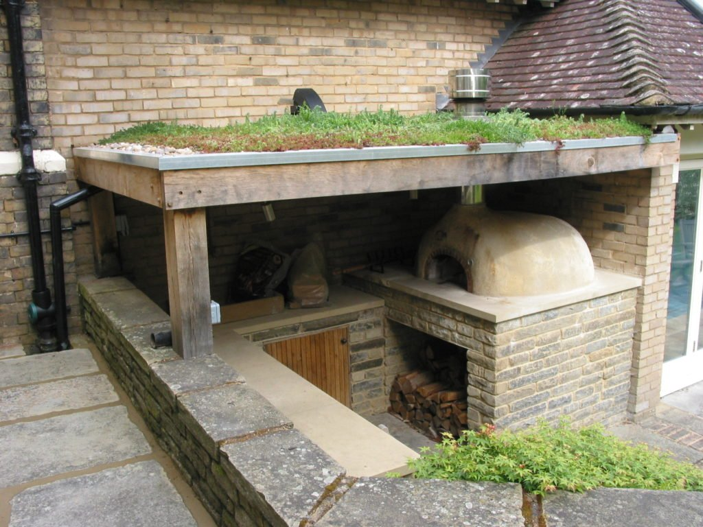Oven and green roof, four grand-mere, 950B+ brick oven, pizza oven, Beckenham