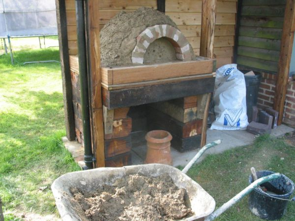 Cob Oven-Lynsted, Kent 10