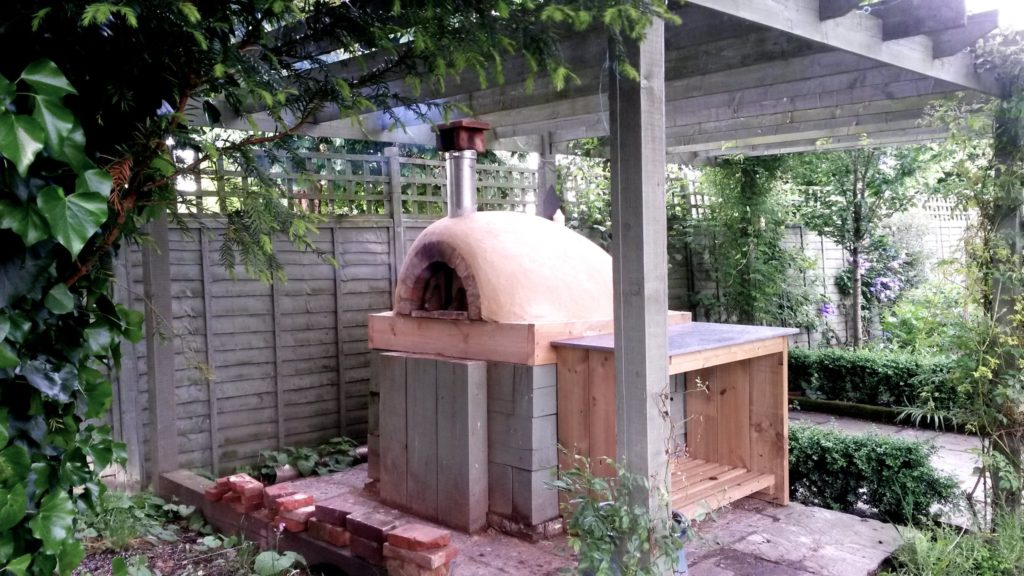 clay cob oven, adobe oven, clay pizza oven,