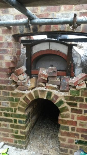 weald and downland living museum, bakery reconstruction, bakery oven, wood-fired cooking