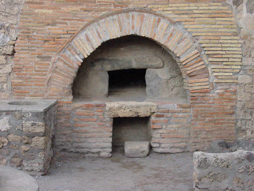History of wood-fired ovens, Baker's wood-fired oven Pompeii