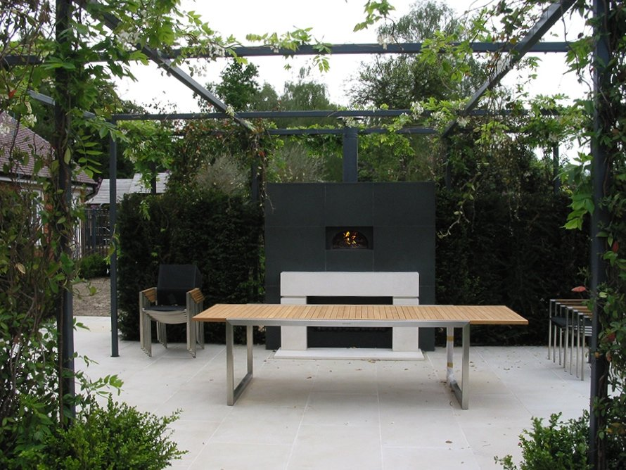 outdoor kitchen, pizza oven, wood-fired oven, outdoor dining