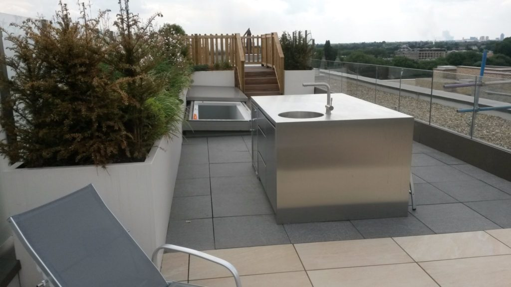 4 Outdoor Kitchens in Stainless Steel W6 3