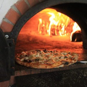 heligan pizza oven, heligan gardens,pizza oven, wood-fired oven,outdoor kitchen