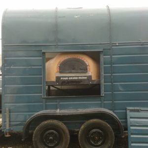 horse box pizza oven,Leather and Willow, Grand Flamme, 1030CC+ pizza oven, mobile catering, wood-fired oven, four grand-mere, 5 star pizza,