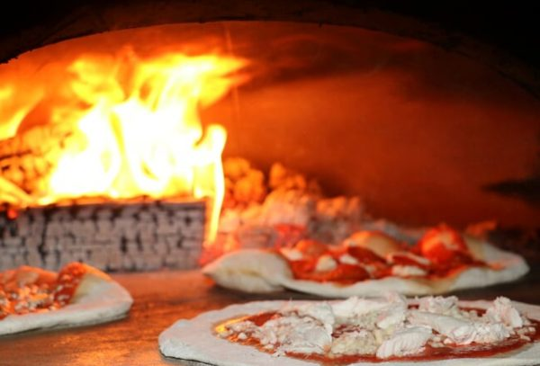 leather and willow, horse box pizza oven, pizza oven, wood-fired oven, pizza cooking, F1030CC+, four grand-mere,