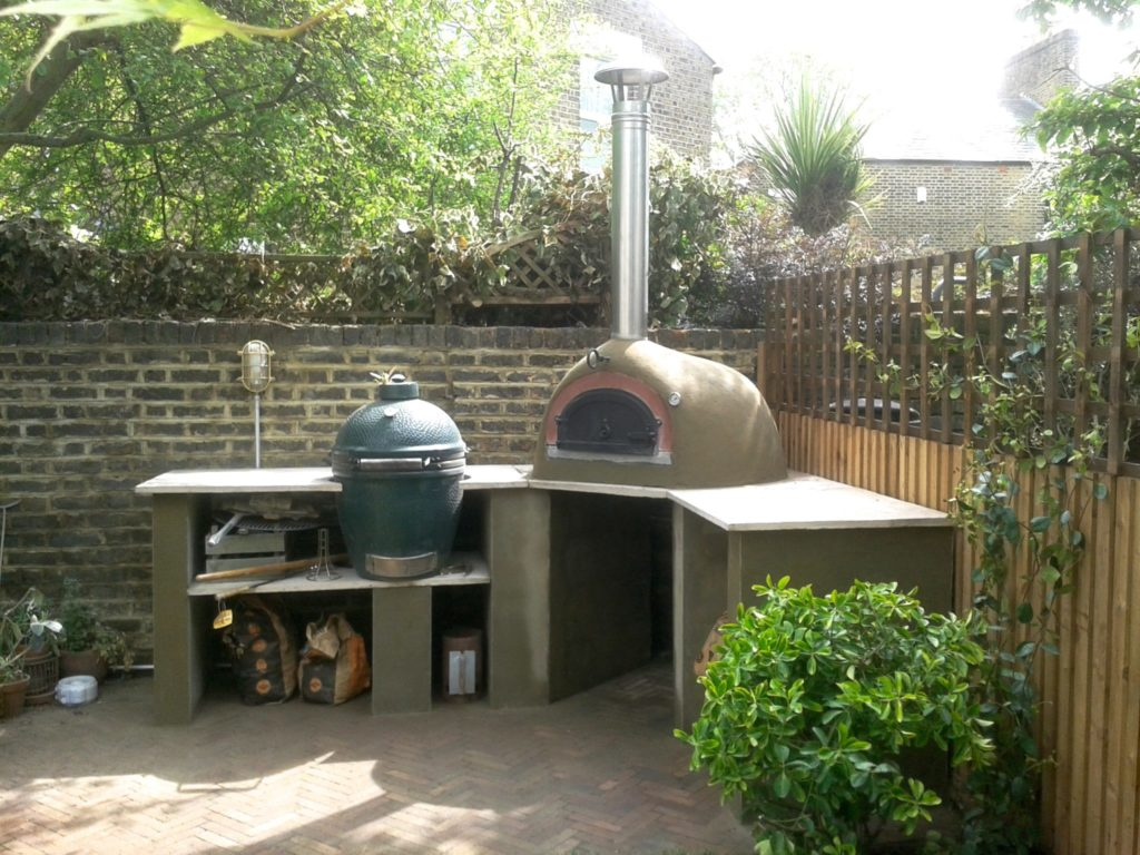 garden cooking,garden cooking station, SE15, Four grand Mere 700A+, Le Flamme, Big Green Egg, wood-fired oven, pizza oven,outdoor kitchen, outdoor kitchen UK, garden pizza oven, outdoor pizza oven,