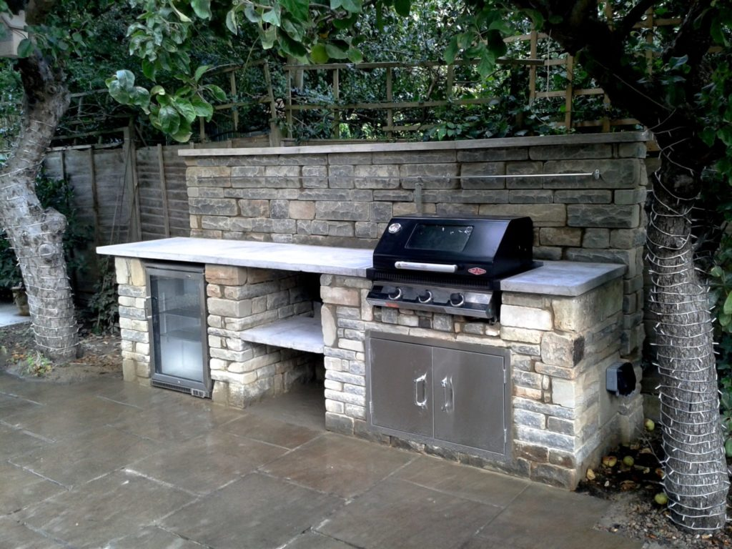 rustic, outdoor kitchen, outdoor kitchen UK, Wimbledon, BBQ, outdoor fridge,