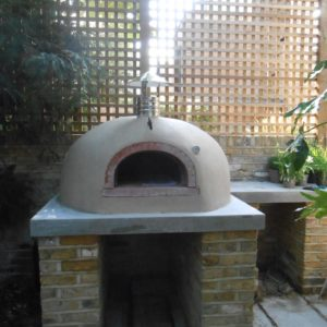 A stylish oven, four grand-mere, outdoor oven, garden pizza oven, living and cooking outside,