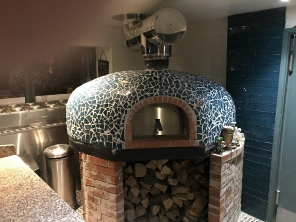 florentinos carmarthen, italian restaurant, pizza oven, wood-fired oven, wood burning oven, wood-fired pizza, commercial pizza oven,