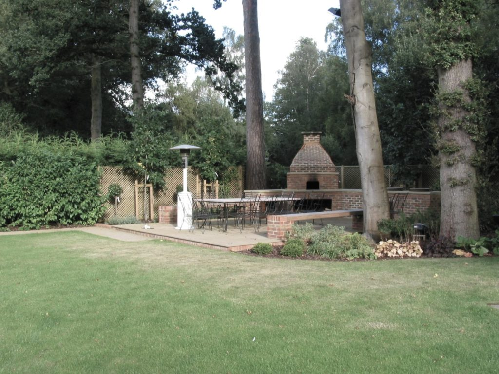 bespoke brick oven, wood-fired oven, pizza oven, wood burning oven, outdoor kitchen,