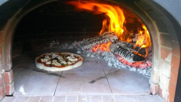Authentic pizza, neapolitan pizza, wood fired pizza, wood fired oven,